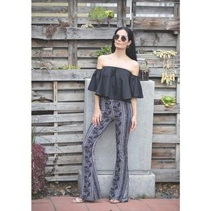 size XL black & white print flared pull on pants